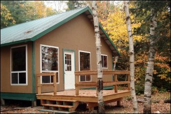 Northern Outpost, spacious 3-bedroom cabin - Lake Ogascanan - Quebec